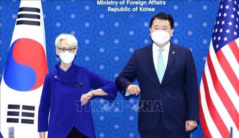 Các quan chức ngoại giao cấp cao Hàn-Mỹ điện đàm sau khi đường dây nóng liên Triều được khôi phục