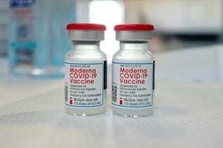 Bộ Y tế phân bổ hơn 3 triệu liều vaccine Moderna phòng COVID-19