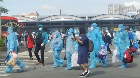 Đón 116 công dân Bến Tre từ TP. Hồ Chí Minh về tỉnh