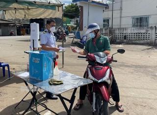 Người dân TP. Bến Tre được phát phiếu đi chợ 2 lần/1 tuần