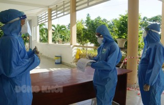 Kiểm tra công tác phòng, chống dịch Covid-19 tại các cơ sở cách ly tập trung huyện Giồng Trôm