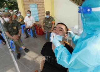 Ngày 19-9-2021, Việt Nam ghi nhận 10.040 ca nhiễm mới SARS-CoV-2, có 233 ca tử vong