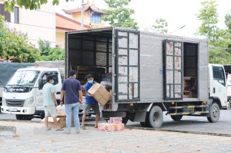 Vận tải hàng hóa thiết yếu vào huyện Mỏ Cày Nam