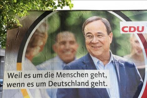 Thủ tướng Merkel huy động sự ủng hộ cho ứng cử viên Laschet