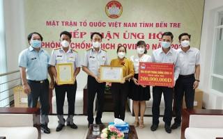 Tổng Công ty Tân cảng Sài Gòn trao 200 triệu đồng hỗ trợ phòng chống Covid-19