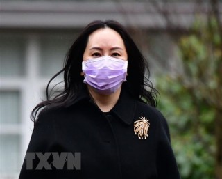 Giám đốc Tài chính của Huawei Mạnh Vãn Châu được tự do rời Canada