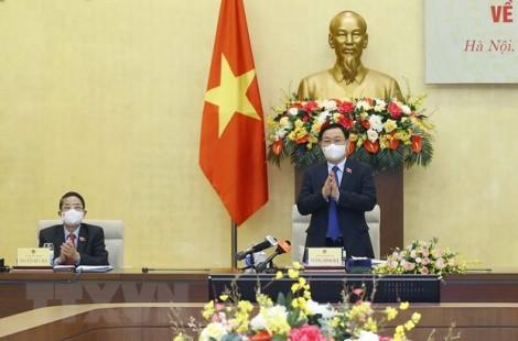 Chủ tịch Quốc hội chủ trì tọa đàm tham vấn chuyên gia về KT-XH
