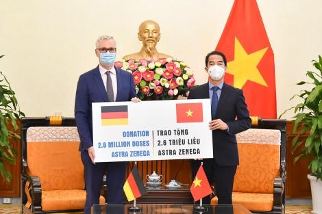 Việt Nam tiếp nhận 2,6 triệu liều vaccine ngừa COVID-19 từ Chính phủ Đức