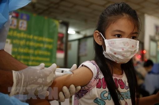 Số ca mắc mới COVID-19 tại Campuchia bất ngờ giảm mạnh