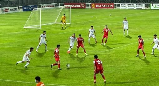 U22 Việt Nam đánh rơi chiến thắng trước U22 Tajikistan