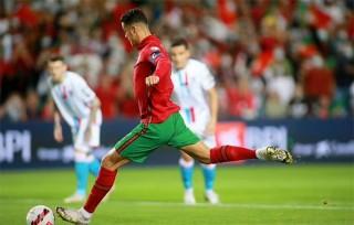 Ronaldo lập hat-trick, Bồ Đào Nha hủy diệt Luxembourg