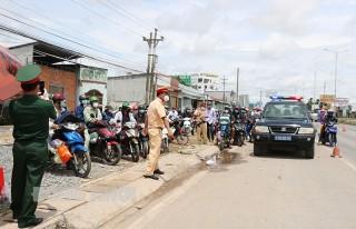 Phối hợp hỗ trợ người dân di chuyển qua các tỉnh, thành phố trực thuộc trung ương