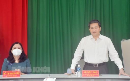 Bí thư Tỉnh ủy Lê Đức Thọ thăm, chúc mừng Ngày truyền thống Ngành Tổ chức xây dựng Đảng