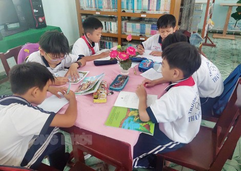 """Thư viện """"trung tâm văn hóa"""" của Trường Tiểu học Thành Thới A2"""