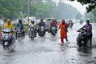 Mưa lớn gây ngập lụt nghiêm trọng tại Ấn Độ