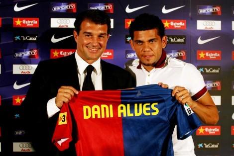 Chuyển nhượng tối 16-10-2021: Mbappe chốt tương lai, Dani Alves trở lại Barca?