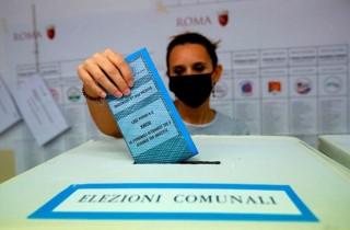 Bầu cử địa phương vòng 2 tại Italy: Ưu thế nghiêng về phe trung tả