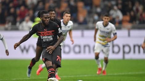 Ngược dòng ngoạn mục, Milan lên đỉnh Serie A