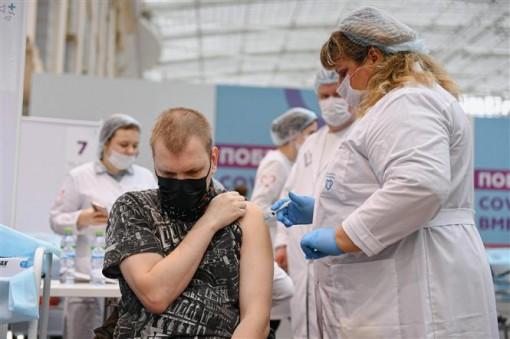 Nga nghỉ làm toàn quốc để dập dịch; Bộ trưởng An ninh Nội địa Mỹ nhiễm virus