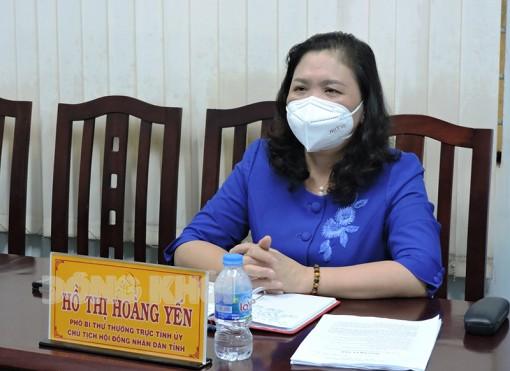 Phó bí thư Thường trực Tỉnh ủy - Chủ tịch HĐND tỉnh Hồ Thị Hoàng Yến tiếp công dân