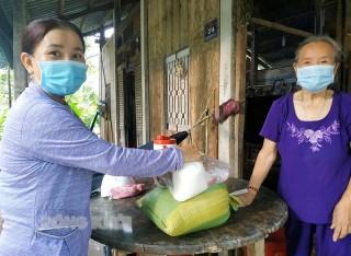 Phụ nữ Hưng Phong giúp nhau phát triển kinh tế, xây dựng nông thôn mới