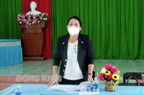 Kiểm tra đánh giá kết quả triển khai thí điểm chuyển đổi số tại huyện Bình Đại