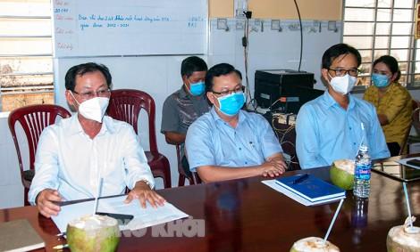 Phó chủ tịch UBND tỉnh khảo sát tình hình hoạt động hợp tác xã trên địa bàn huyện Giồng Trôm