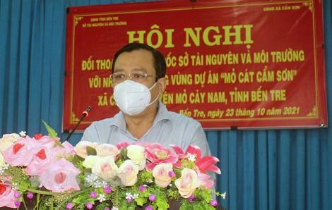 Đối thoại với công dân khu vực mỏ cát xã Cẩm Sơn, huyện Mỏ Cày Nam