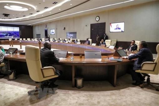 Sudan: Các thành viên Hội đồng chủ quyền bị đưa tới địa điểm bí mật