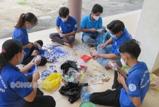 Mô hình dân vận khéo từ rác thải nhựa