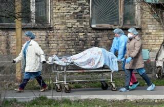 Ca tử vong ở Mỹ vọt cao gấp đôi, lập kỷ lục mới ở Nga, Ukraine