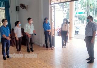 Ban Văn hóa - Xã hội, HĐND tỉnh giám sát tại huyện Giồng Trôm